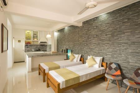 Shalom Residence Kandy (Room Margarita) - Kandy