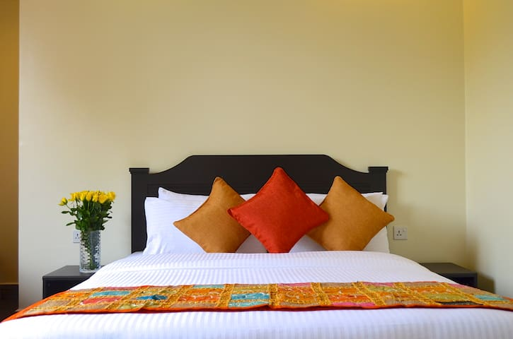 Gigiri Express Double Room with Fan - Nairobi - Bed & Breakfast