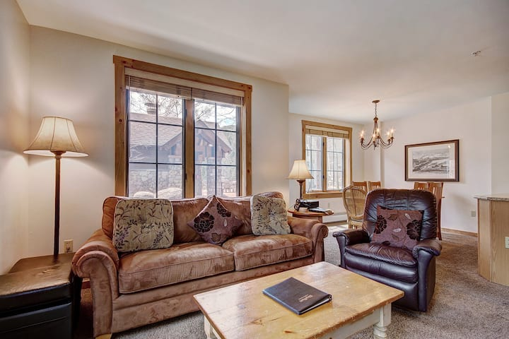 Ground Floor Corner Unit with Recent Updates in River Run! Walk to the Slopes!