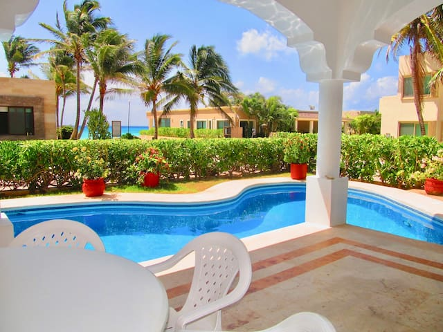 4 BDR Ocean view house, private pool/BBQ for 10!