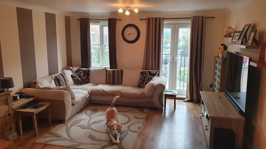 Private double room in modern home in Gt Yarmouth