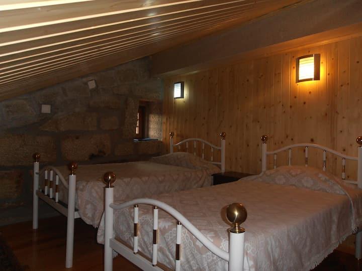 Quarto Duplo - Double Bedroom