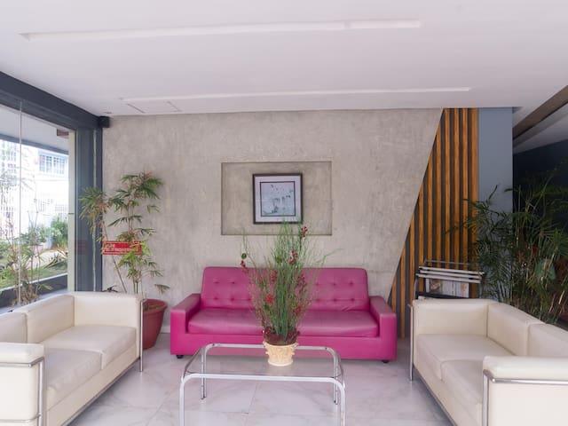 Amazing Deal - Splendid 1BR Suite, Philippines