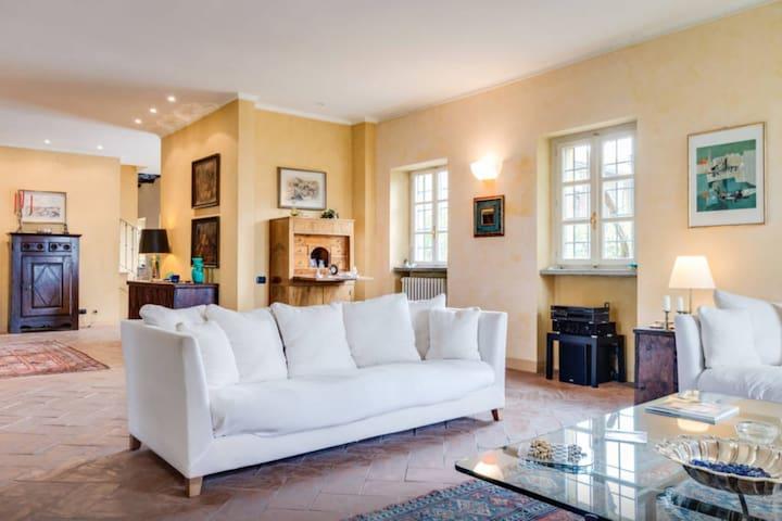 Villa ex monastero del 600 con parco vicino Torino - Montaldo Torinese - Vila