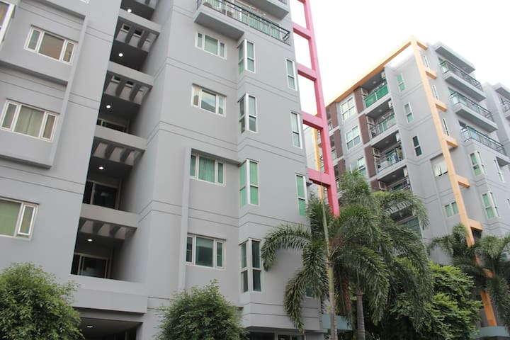 Lovely Condo + WIFI in Sukhumvit - Bangkok