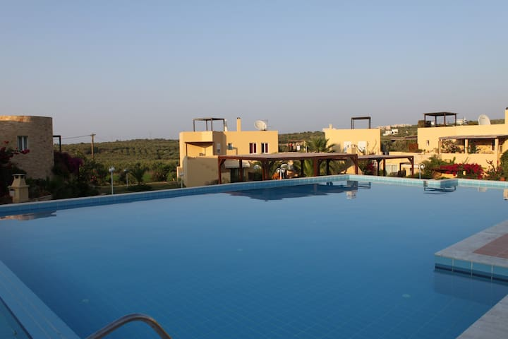 HUGE SWIMMING POOL in LUXURIOUS residence - Loutra - Apartment