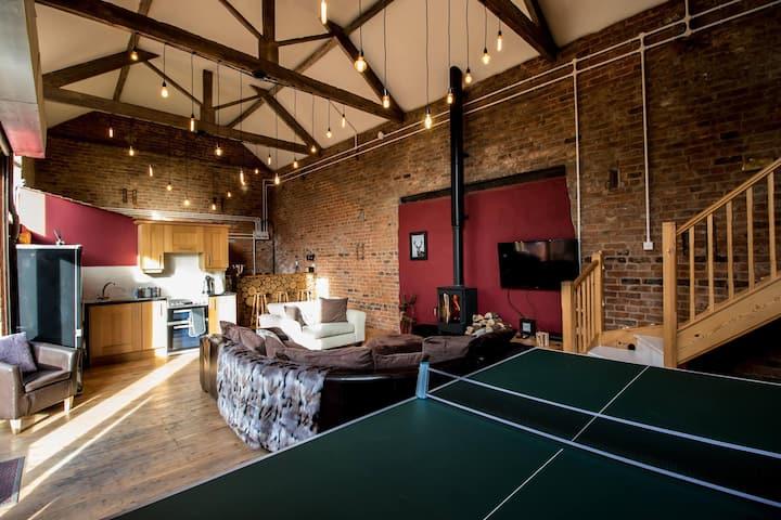 Wolf Ridge - A Stunning Farmhouse Barn Stay