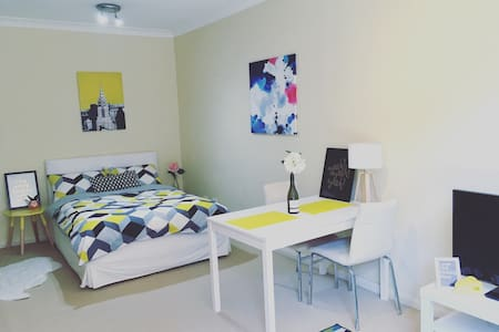 Studio-best location SydneyCentral - Chippendale - Huoneisto