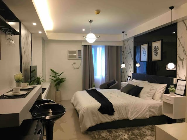 Luxury condo @ Shore Residences, MOA, Pasay City