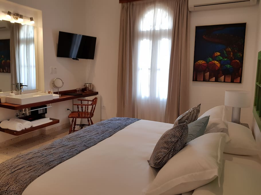 Room 5 - Jr. Suite - Boutique Hotel 5ta y 8 Vedado