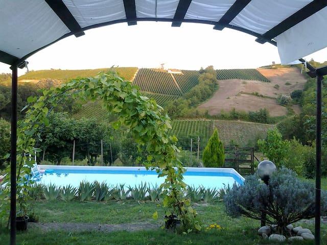 Bilocale camino piscina giardino Oltrepo Pavese - Colombaia