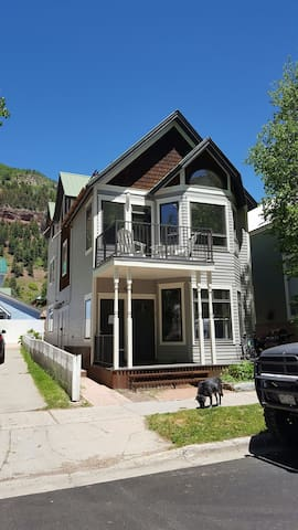 In-town 1 Bedroom w/Parking - Telluride - House