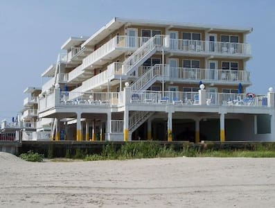 Family friendly Wildwood Crest beachfront condo! - Wildwood Crest