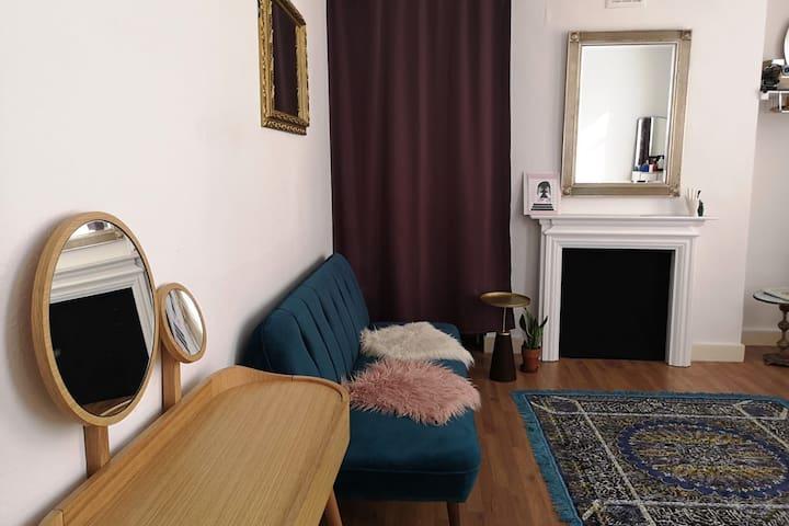 Bright & Elegant room in South Hackney