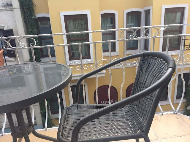 Nice apartment a few minutes to Taksim Square