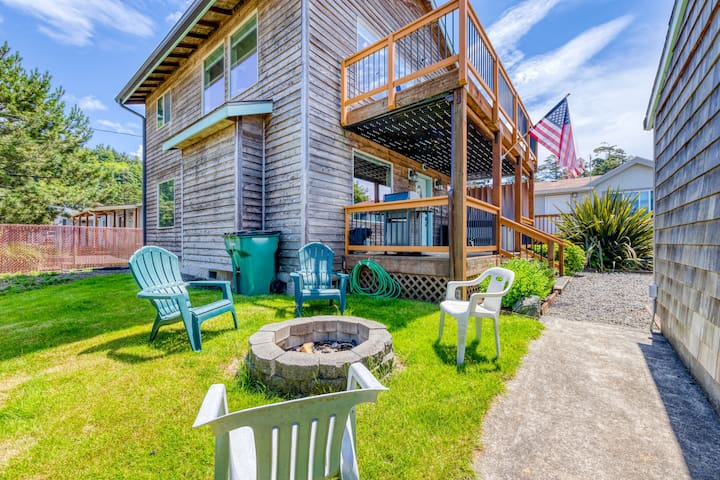 Dog-friendly home w/ private hot tub & firepit - walk to the beach!