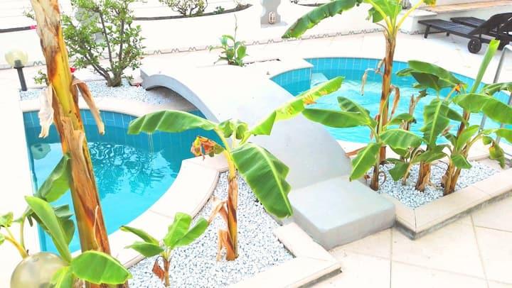 Il piccolo castello dei Mori-piscina-accesso mare