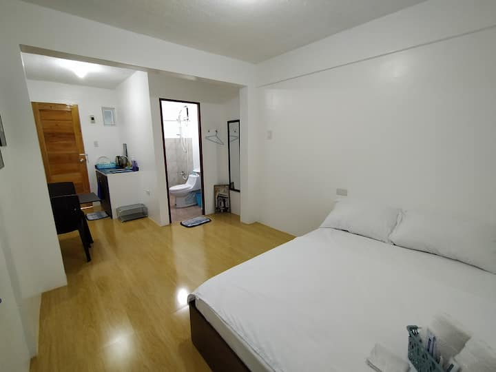 Tagaytay Affordable Room @ Gab&Gaeb's