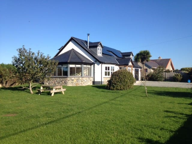 Large detached house, close to Cemaes Bay