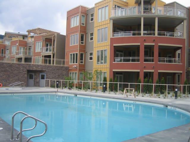 OKanagan Lakefront - Main Floor 1 bdm + pull-out - Vernon - Condo