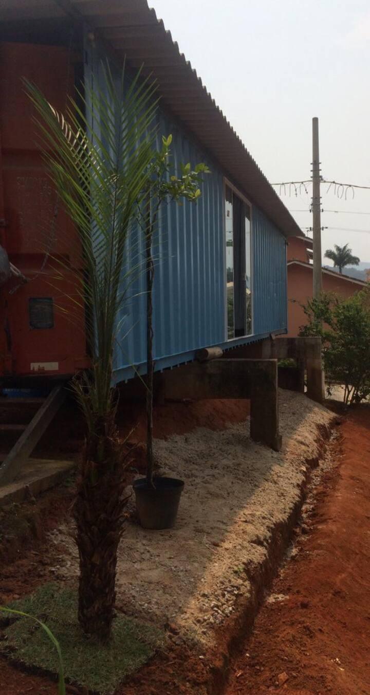 Casa contêiner no Massaguaçu à 200 m da praia.