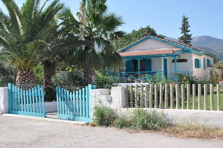 Villa directly on the sea - Kalloni