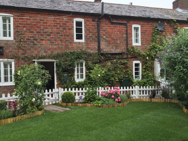 Charming period cottage - South Harting