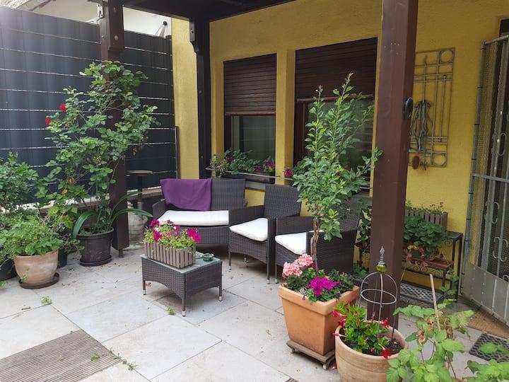 Ruhiges Apartment - Bad+Küche + Terrasse am Radweg