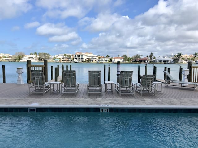 Stunning 3 Bedroom Waterfront Condo w/ Pool