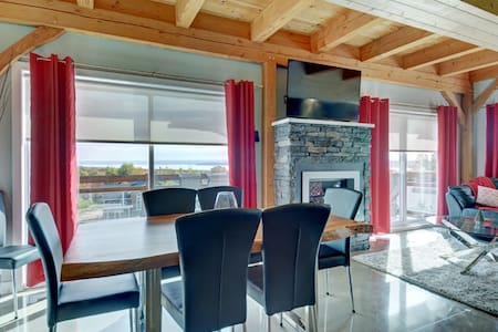 Beautiful condo with views the St. Lawrence River - Beaupré - Apartemen
