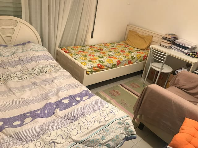 Free room for two people in Kyrenia/Cyprus :)