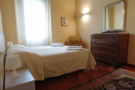 Appartamento con 2 camere da letto, al piano terra - Montebello Vicentino - อพาร์ทเมนท์