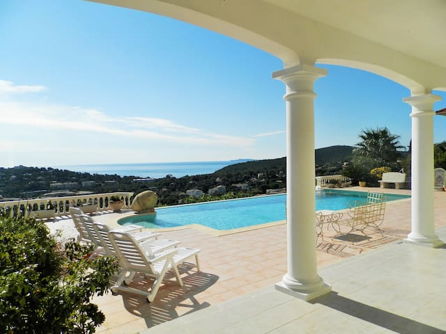 Ds villa de standing Rez de piscine - Cavalaire-sur-Mer - House