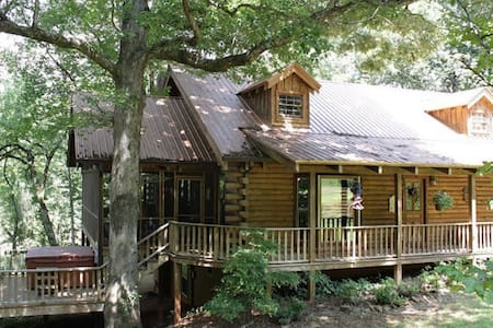 Magical Log Cabin Creekside - Sautee Nacoochee - Haus