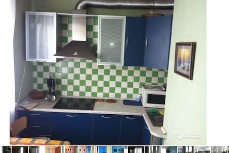 Дешевая квартира на 4 чел. в Москве - Khimki - Flat