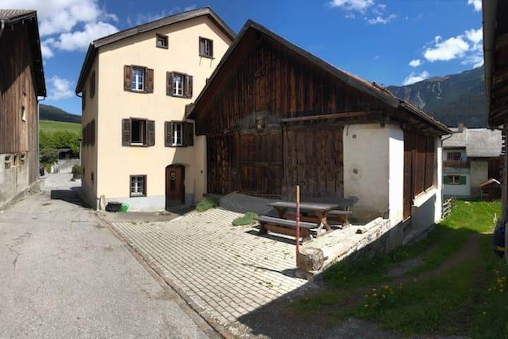 Cozy apartment in quiet mountain village