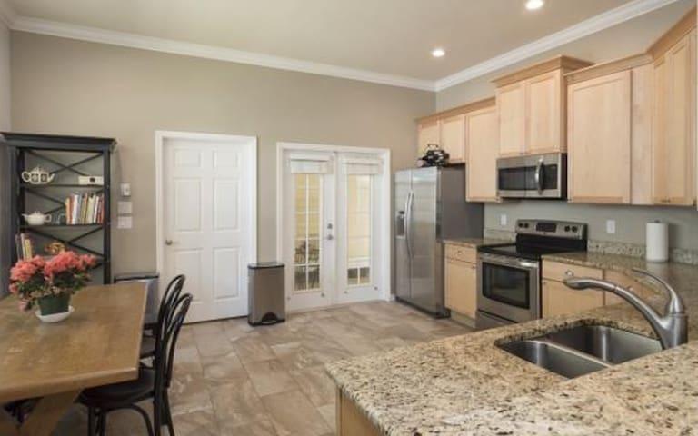 Haile House, LLC - Gainesville - Szeregowiec