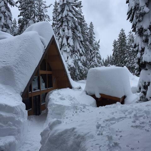 Hot Tub - Epic Spring Skiing Ahead! - Soda Springs - Chalet