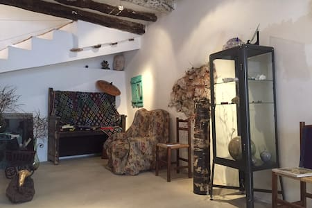 Casa de 3 hab. con taller creativo - Embid de la Ribera - Dom