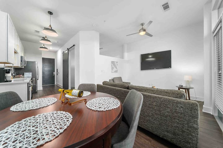 Dining table that seats 4 with a complimentary wine  bottle!