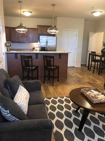 Make yourself at home in Hutch, modern 1 bdrm apt