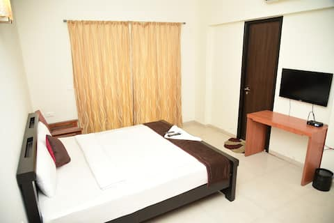 Oragadam Rooms Deluxe Double Room