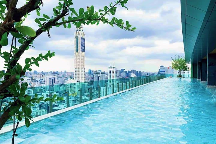 F04暹罗中心四面佛/水门市场/37F pool/五星级私人电梯/3mins to BTS/中文服务