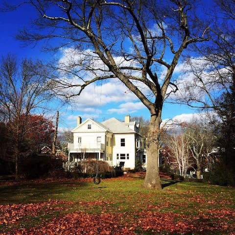 Magnificent New England Mansion - New Haven - Huis
