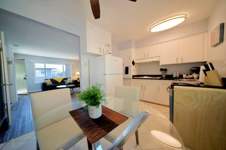 Updated 1 Bedroom Apartment, W/D, Redwood City WN6
