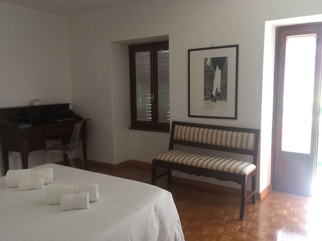 Up to 3 rooms & garden in the heart of Valtellina