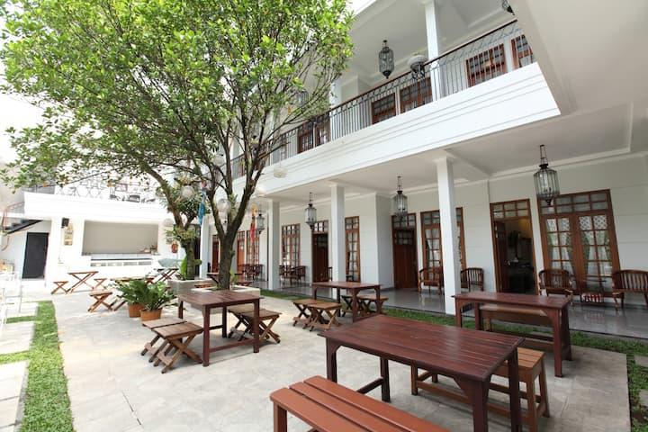 3 Person Room - Halimun House - 104 - Garden View