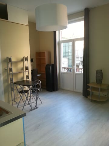 Brand-new studio in Uccle (tram station Heros) - Uccle - Maison