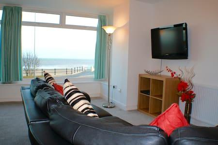 2 Bedroom Sea View Apartment with Balcony - Bridlington