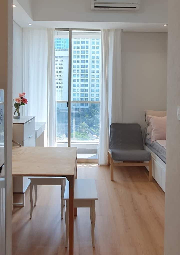 Beautiful Studio Apartment @ The Heart of Jakarta
